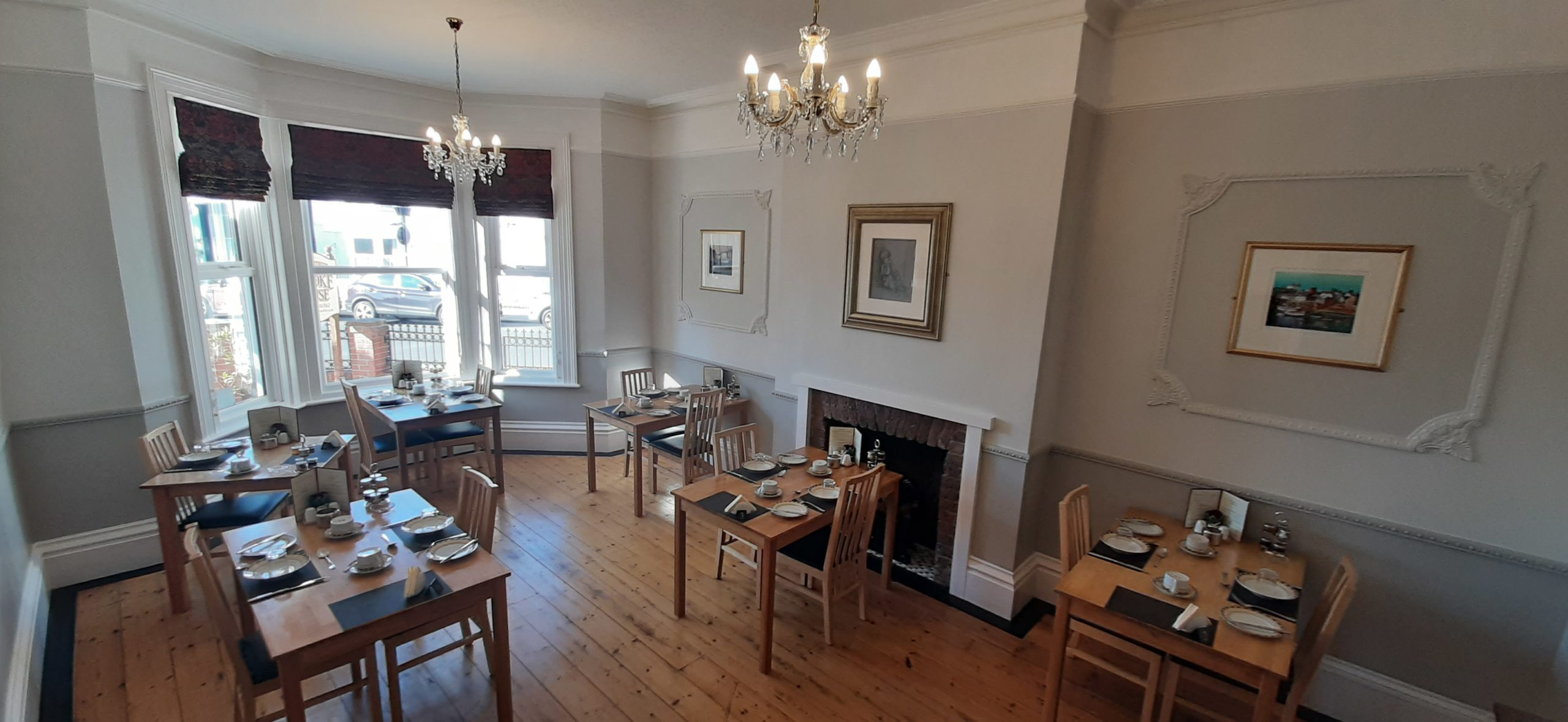 Showing the Dining Room towards the bay window